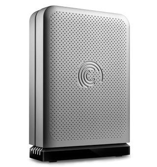 FreeAgent GoFlex Desk offers serious, portable storage solution